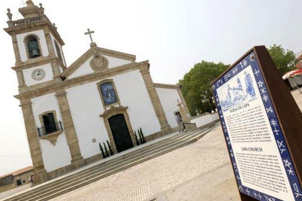 """Deolinda Carneiro e """"As Procissões da Igreja da Lapa"""""""