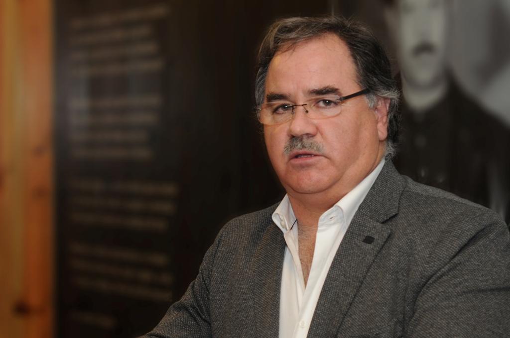 Paulo Almeida Renova pelo Clube de Caçadores da Estela