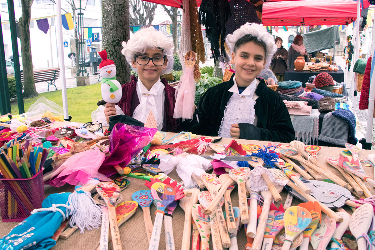 A Tradição da Feira dos Namorados Regressa à Praça de S. João
