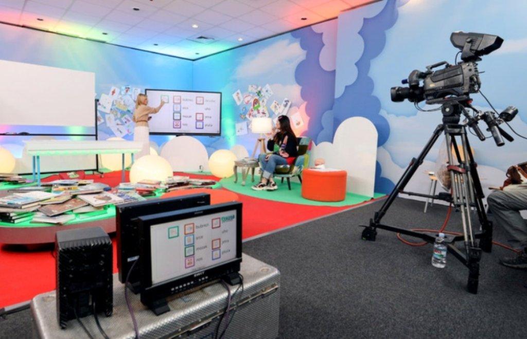 Os Canais Públicos de Televisão Vão Voltar a Dar Aulas
