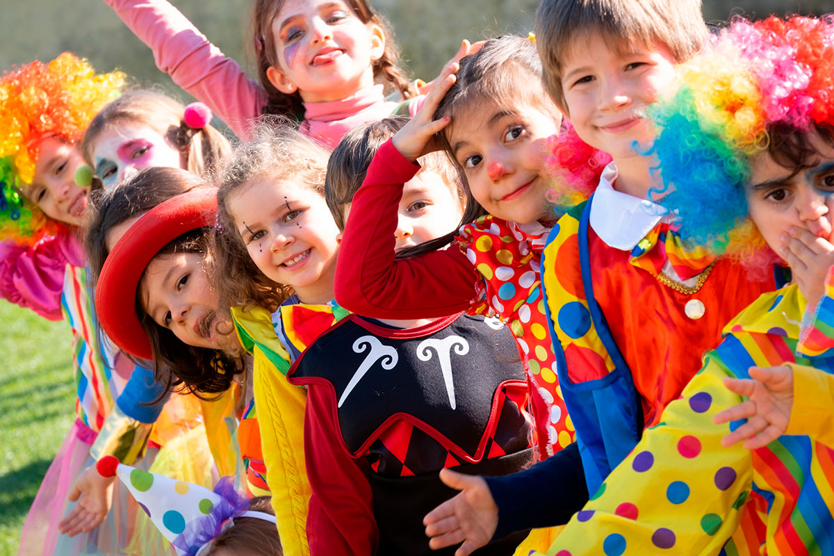 A Folia de Carnaval Contagia Miúdos e Graúdos