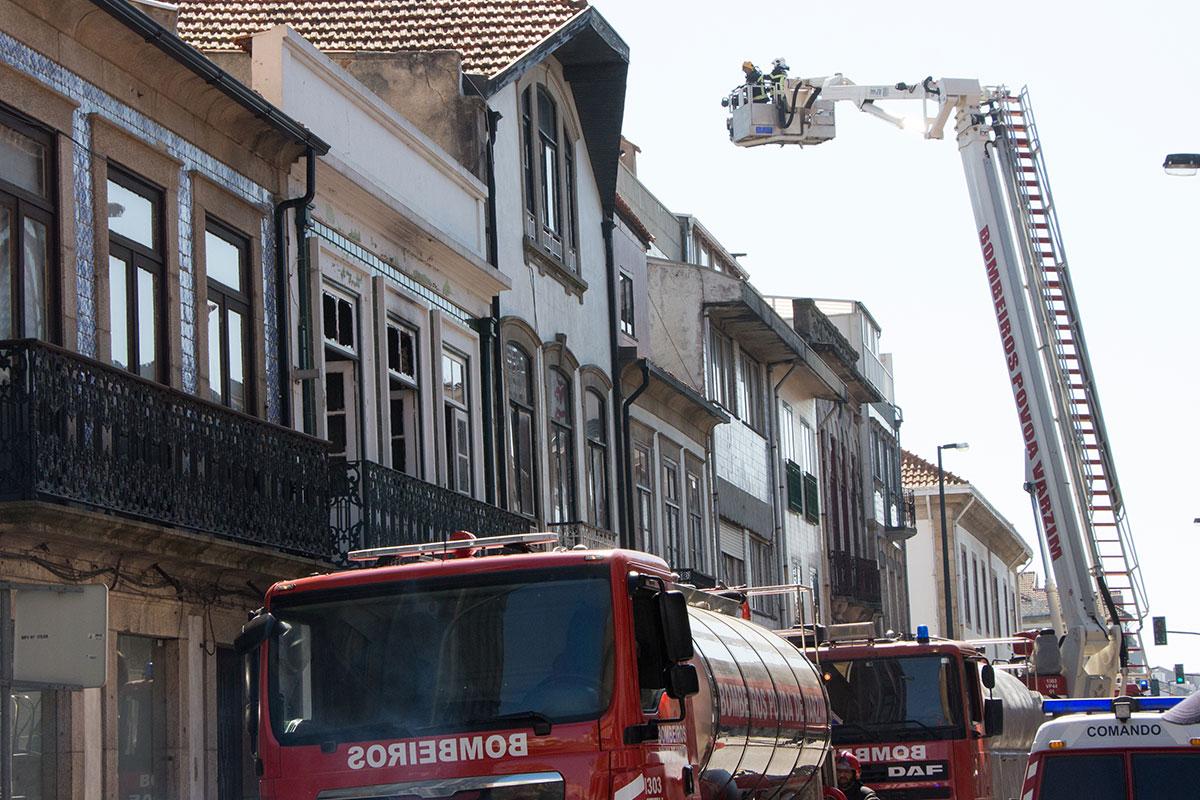 Rua Paulo Barreto Volta a Ser Palco de Incêndio num Edifício