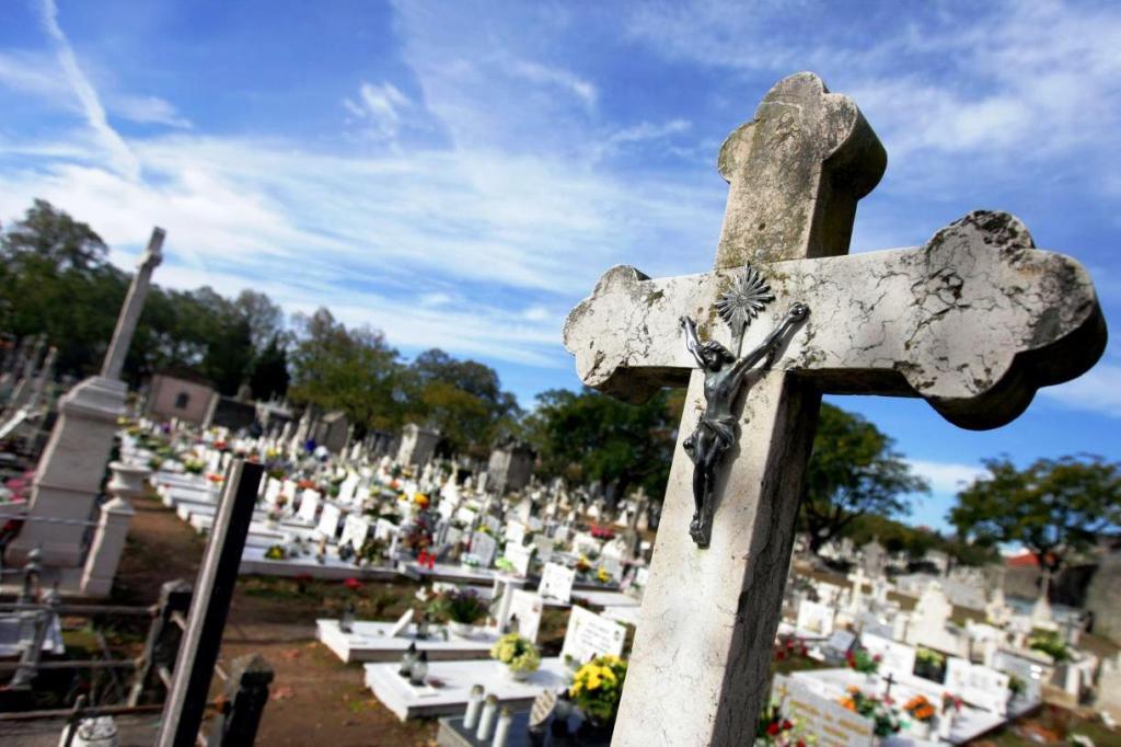 Cemitérios de Esposende Encerrados no dia 1 de Novembro
