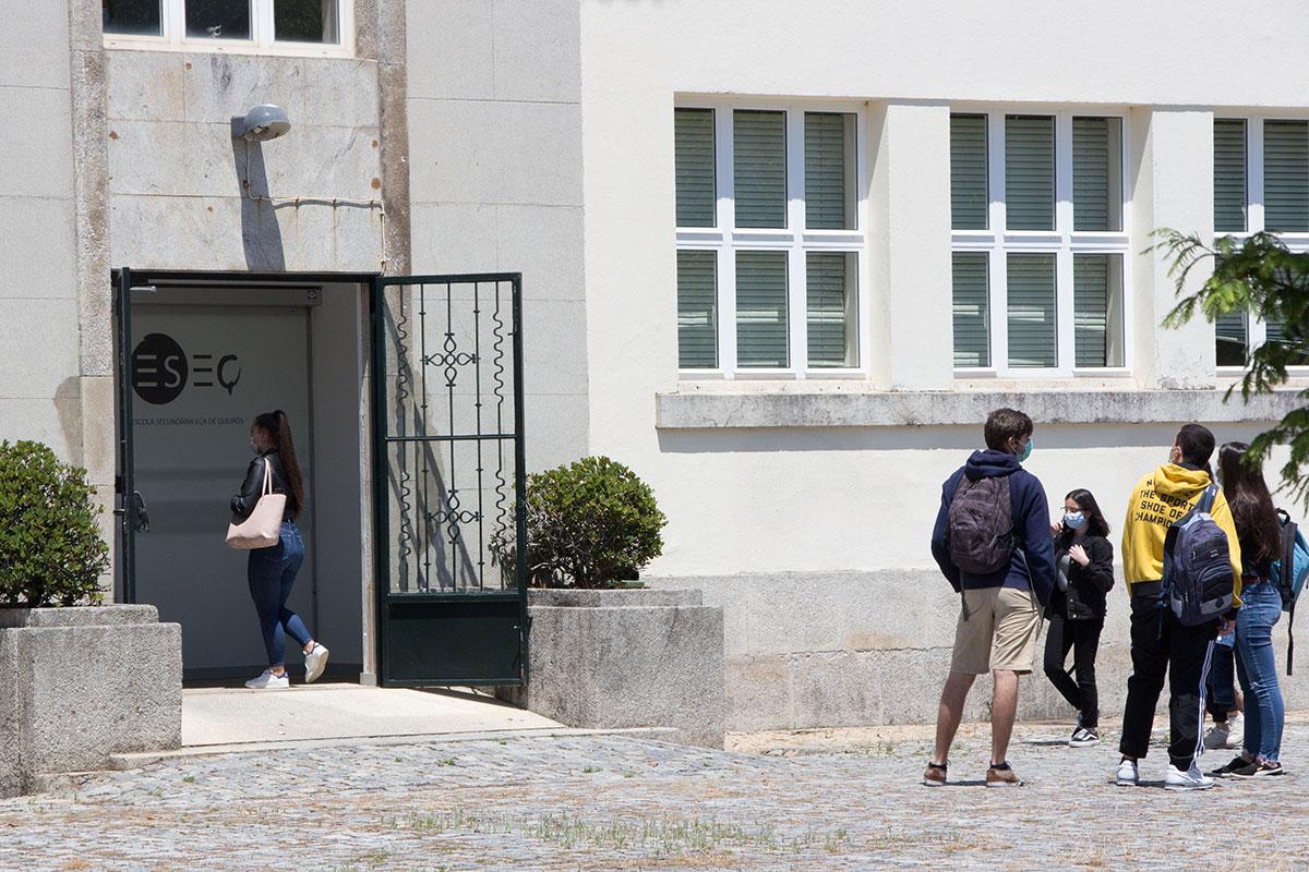 Ensino Presencial Regressa às Secundárias Eça de Queirós e Rocha Peixoto