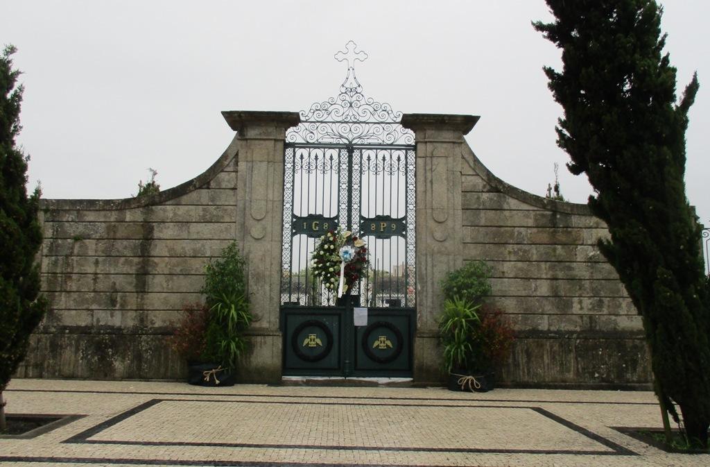 Cemitérios Poveiros Encerram a 31 de Outubro e 1 de Novembro