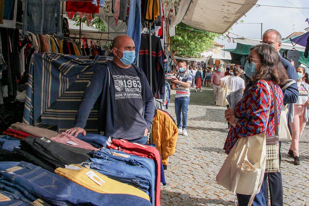 Máscaras ou Viseiras na Reabertura da Feira Semanal de Vila do Conde