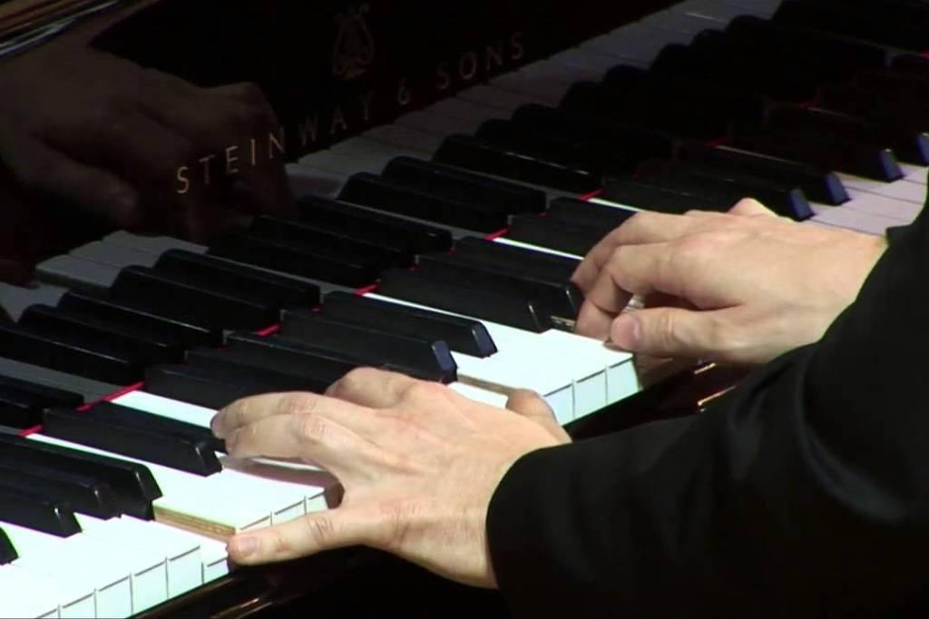 378/Piano2.jpg