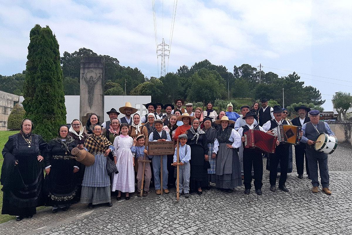 """Grupo Folclórico de Cantares e Danças """"Os Camponeses de Navais"""""""