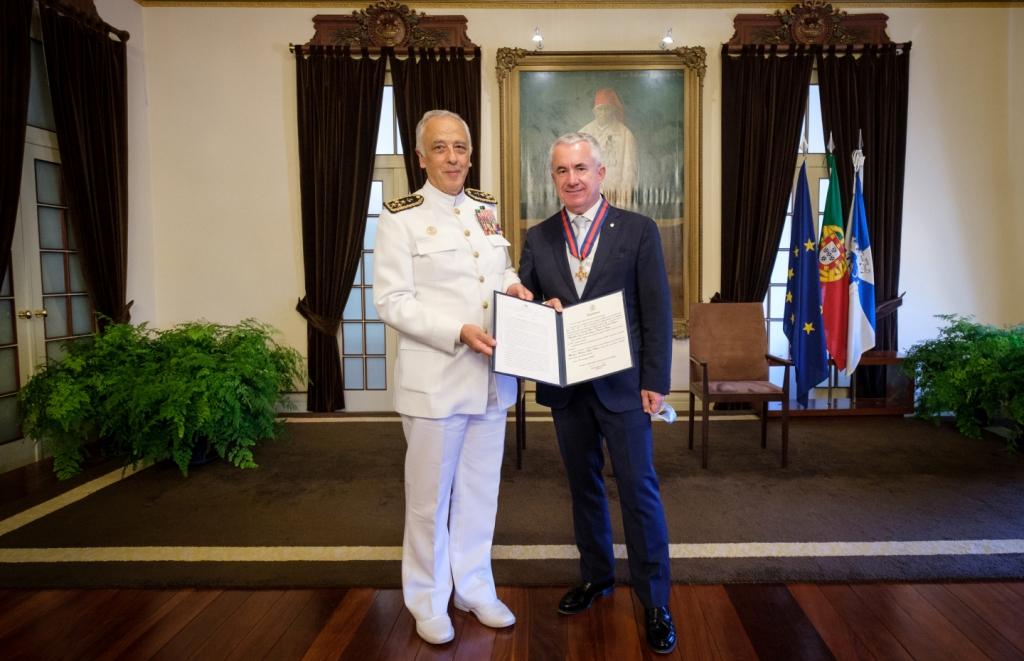 Medalha da Cruz de S. Jorge Entregue a Aires Pereira