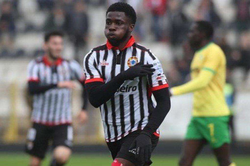 Levi Lumeka deixa Varzim Rumo ao Futebol Francês