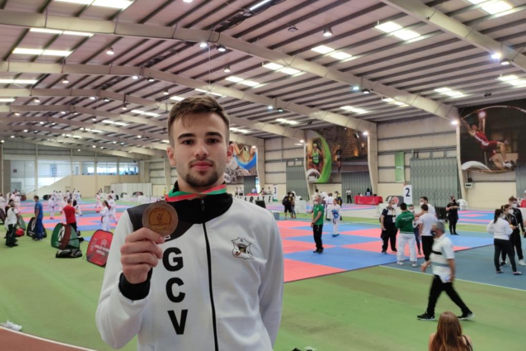 Afonso Torres Medalha de Bronze no Campeonato Nacional de Karaté Sub-21