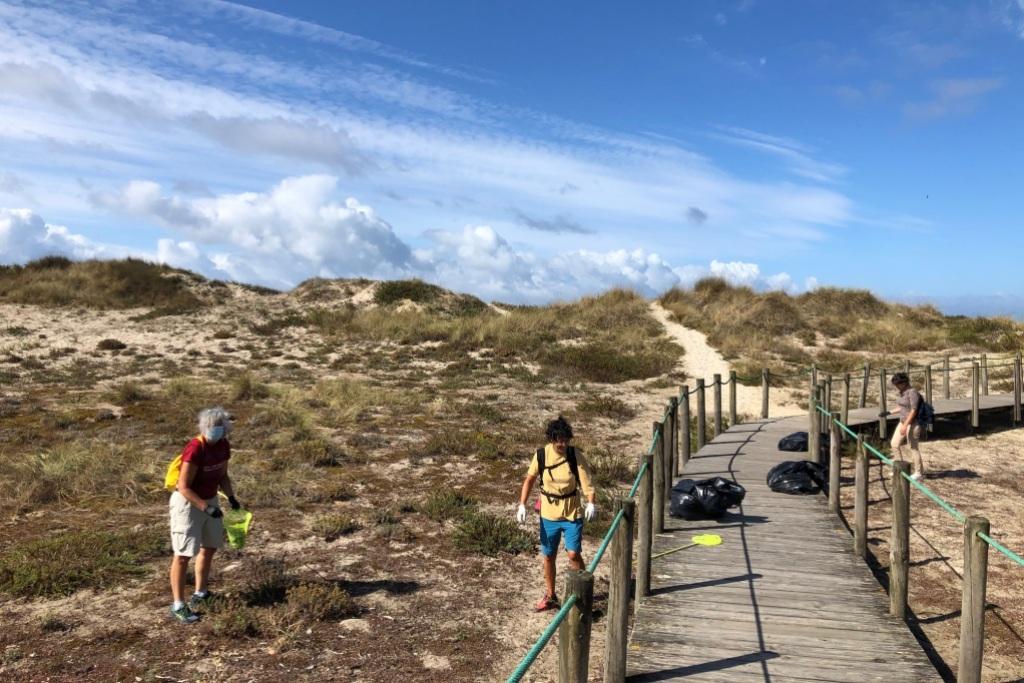 Voluntários Recolhem uma Tonelada de Lixo em Cinco Praias de Esposende