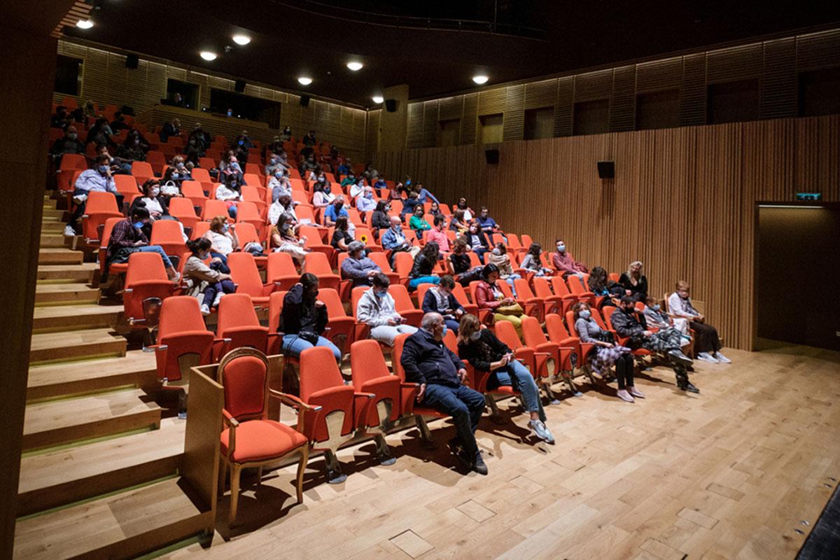 Os Bichos de Miguel Torga Para Festejar Aniversário do Varazim Teatro