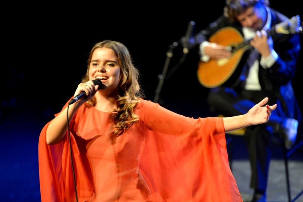 Fadista Teresinha Landeiro Canta no Casino Estoril