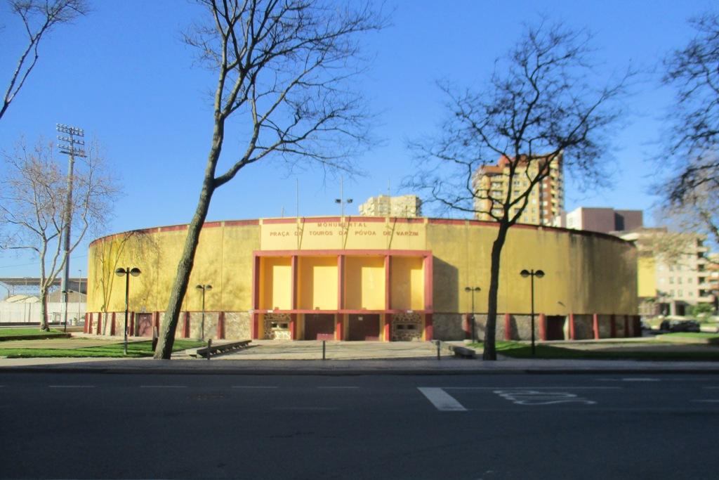 Tribunal Suspende Demolição da Praça de Touros
