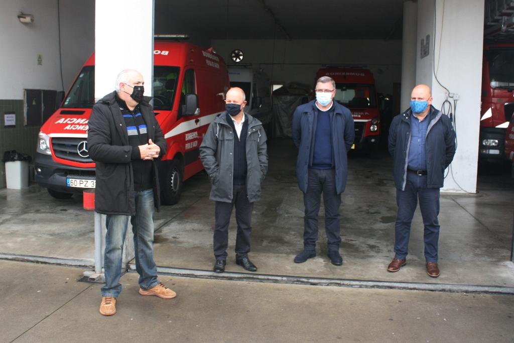 Juntas de Freguesias Poveiras Entregam Donativo aos Bombeiros