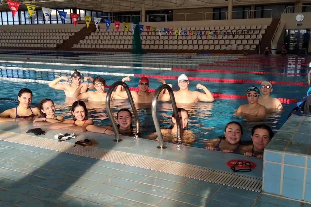 Clube Naval Povoense Com Nadadores em Todas as Categorias