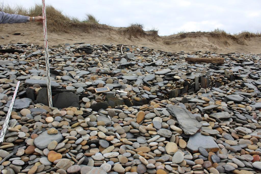 Município estuda vestígios arqueológicos detectados na praia de Guilheta