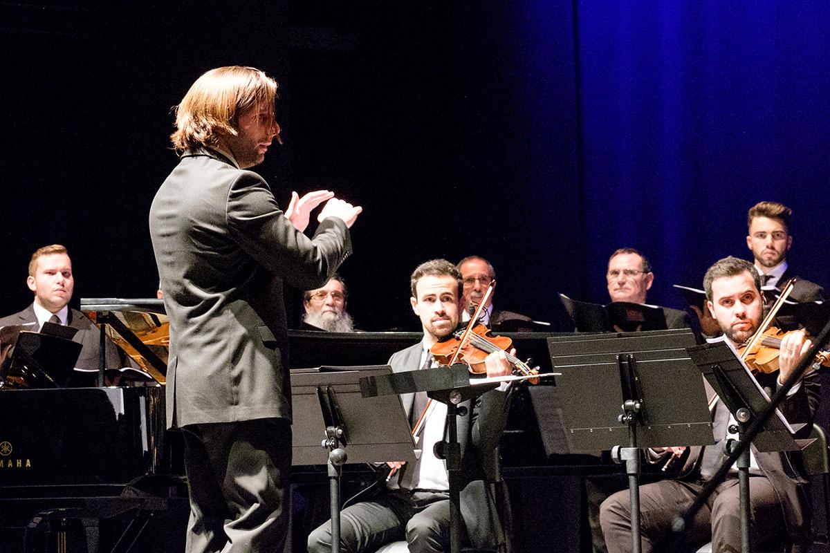O Maestro Que Fez Renascer o Coro Capela Marta