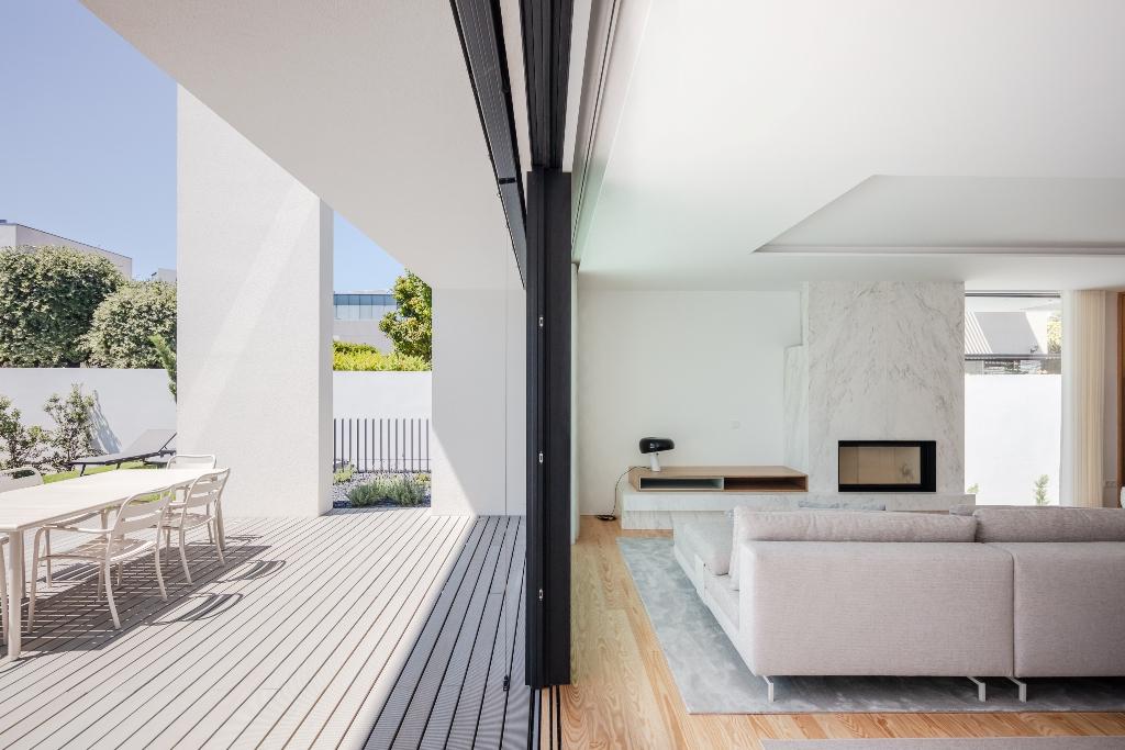 779/Aldoar_House_-_Raulino_Arquitecto_(09).jpg