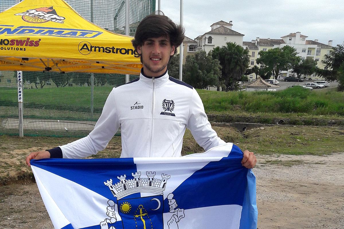 Diogo Gonçalves é Campeão Nacional no Lançamento do Disco