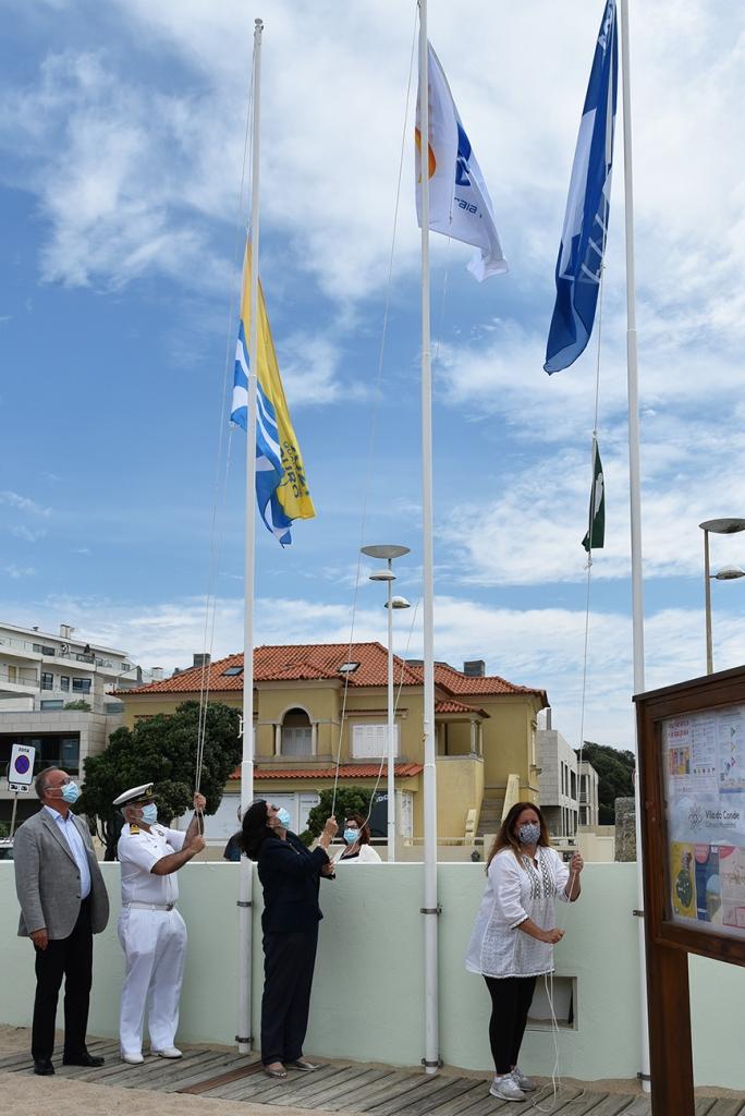 Hastear da Bandeira Azul Qualidade Ouro e Praia Acessível
