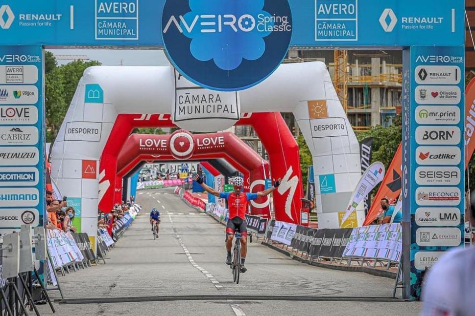 Fábio Abreu da Proteu Cycling Team Dominou em Aveiro