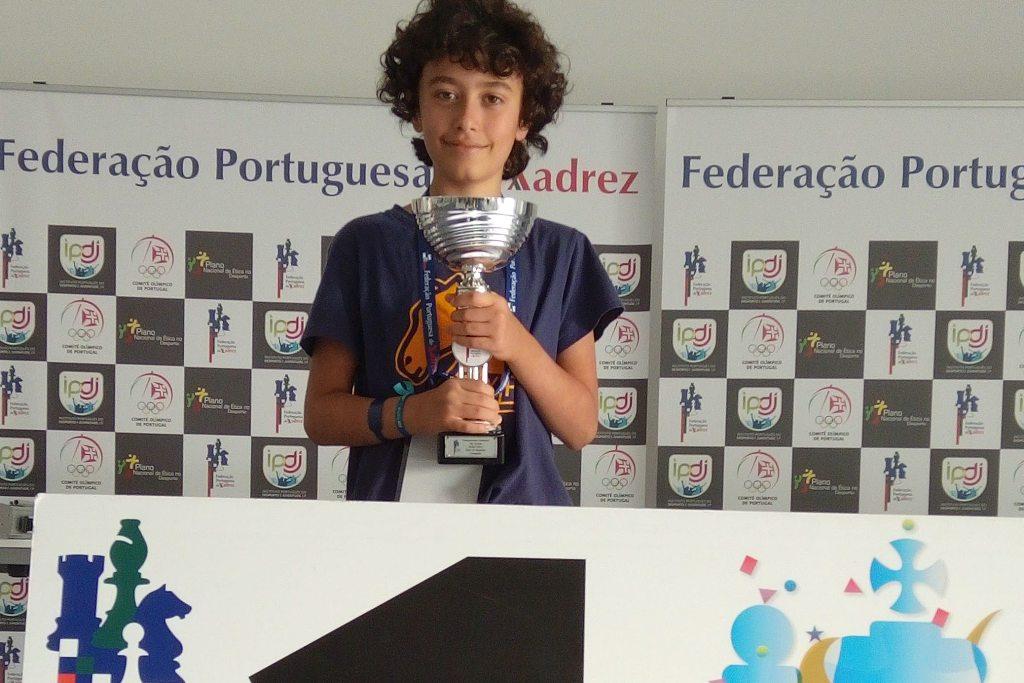 Gonçalo Guedes, Aluno do Grande Colégio, é Campeão Nacional de Xadrez