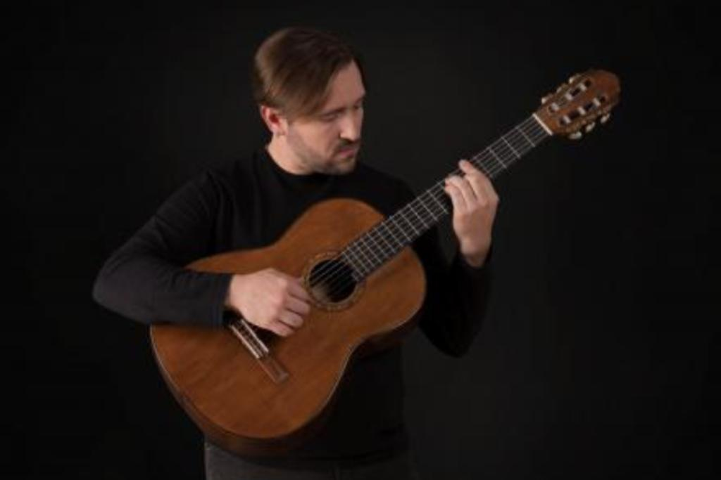 Bruno Ribeiro: Um Clássico da Guitarra no Garrett